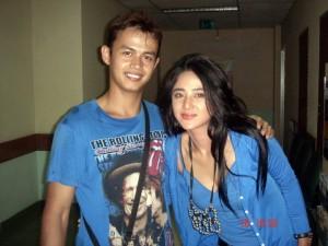 Udeh Nans bersama Dewi Perssik 300x225 Nyaris Tidak Bergabung Bersama The Raid