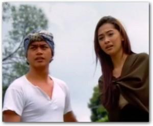 Udeh Nans bersama Poppy Bunga 300x248 Nyaris Tidak Bergabung Bersama The Raid