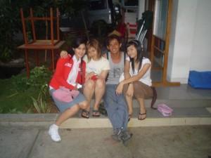 Udeh Nans bersama Sandra Dewi 300x225 Nyaris Tidak Bergabung Bersama The Raid