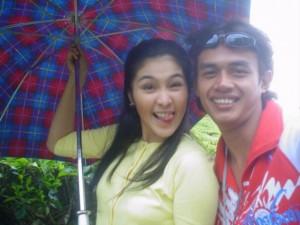 Udeh Nans bersama Sandra Dewi lagi 300x225 Nyaris Tidak Bergabung Bersama The Raid