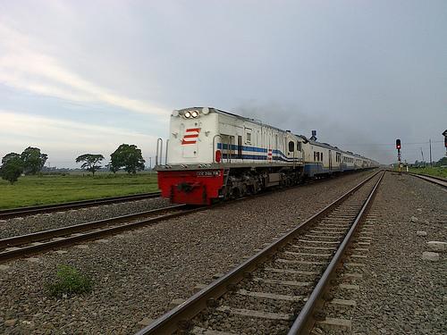 KA Cirebon Express KA Cirebon Express jurusan Jakarta Tegal